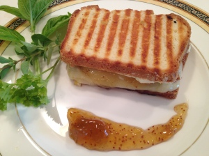 fig_with_bacon_grilled_cheese_with_post